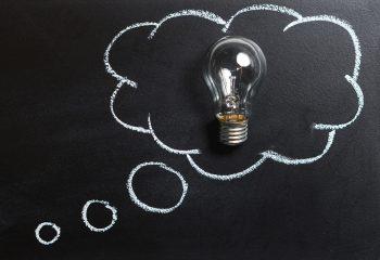 Gedankenblase Tafel Glübirne
